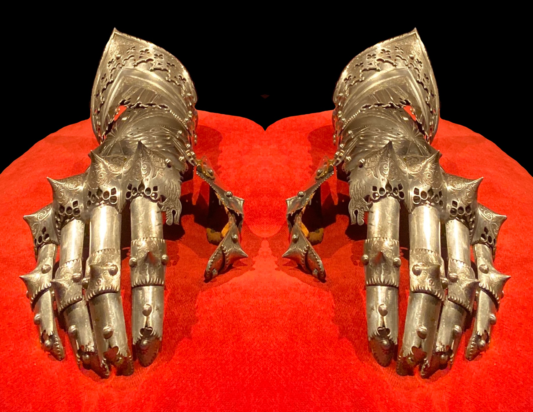 armor of Maxmillian, Met Museum