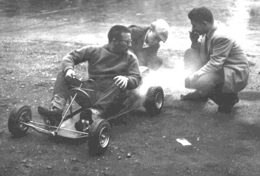 Dick Greenhaus with crew Mike Jacklin and Joel Katz, photo Lee Hoffman